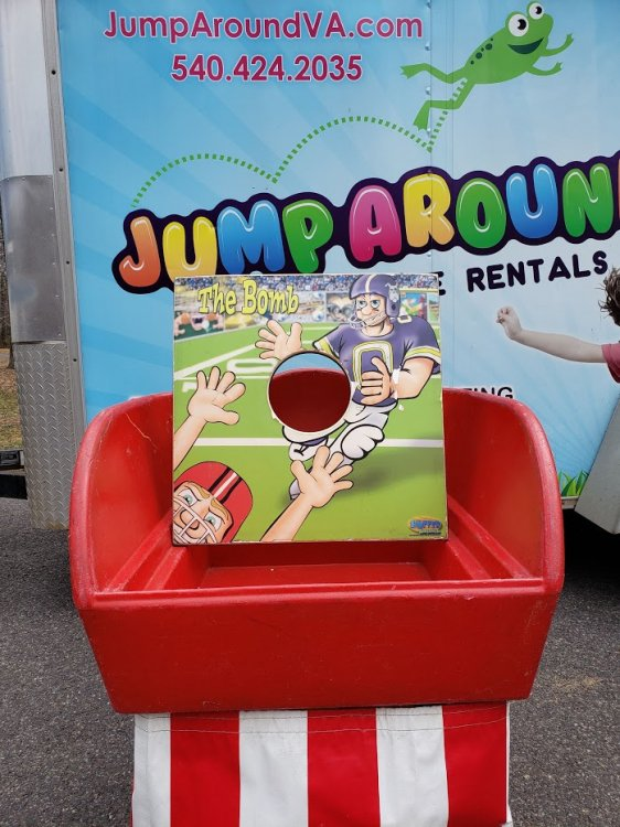 The Bomb Football Carnival game